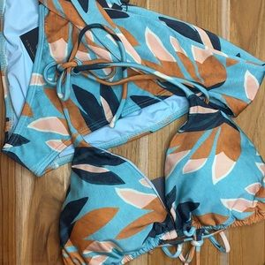 Vix Paula Hermanny • 2 Pc Swimwear Size L